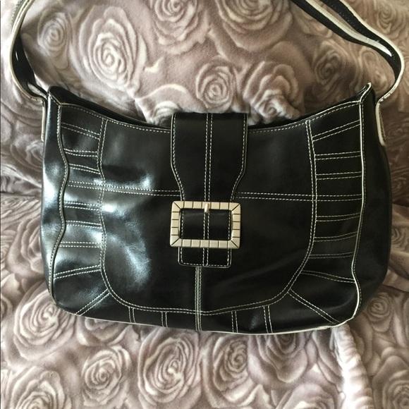 Anne Klein Handbags - Anne Klein black leather purse